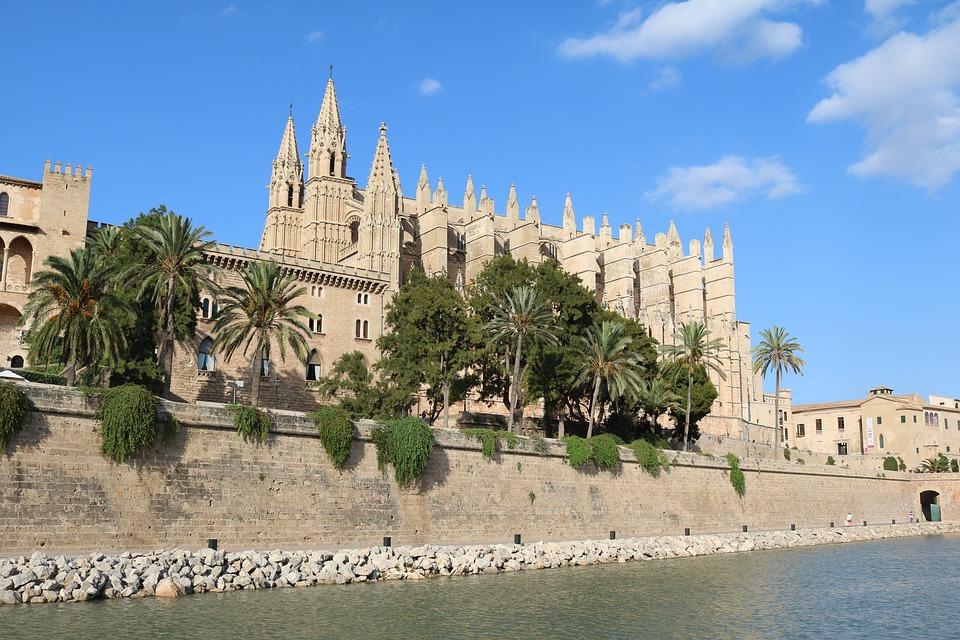 Reclama la plusvalía municipal al Ayuntamiento de Palma de Mallorca